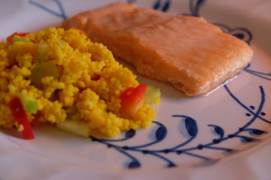 opskrift, marineret, laks, couscoussalat, guldsmedgaard, sund, lækker, lækkert, nemt, sundt