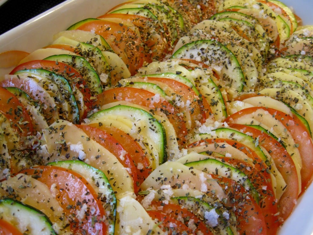 Taglagte tomater, squash og kartofler