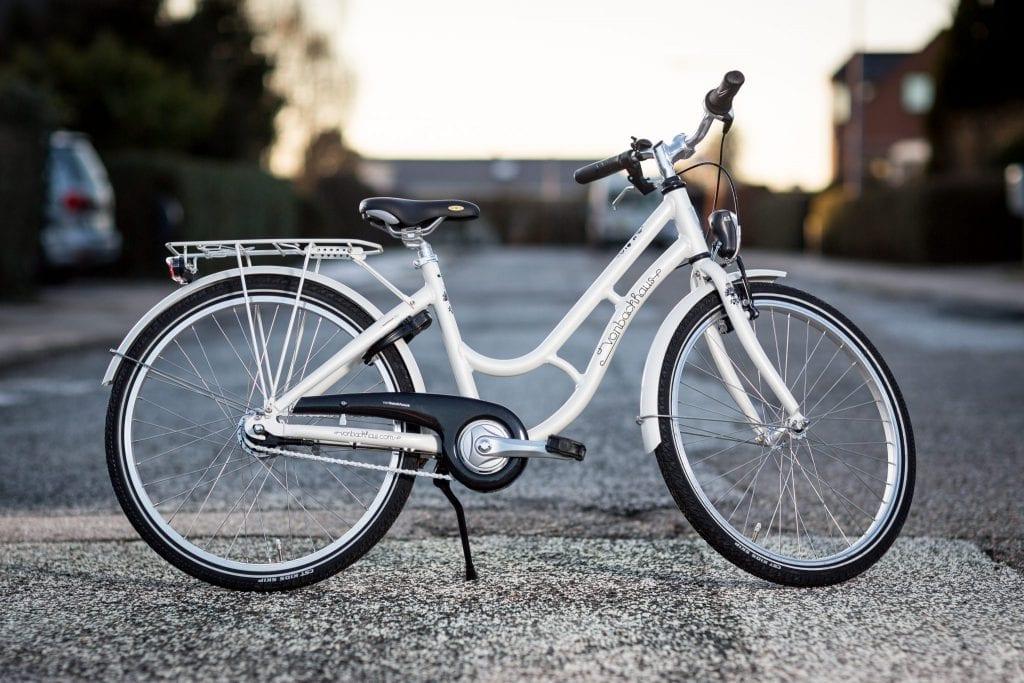 Pigecykel til Laura fra Vestbyens Cykelhandel